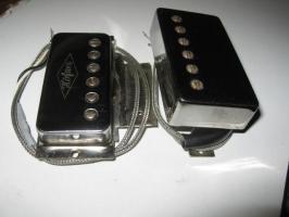 Micro comparé en taille à un humbucker standard