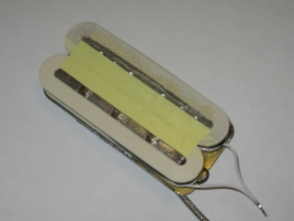bobines rebobinées, micro en cours de remontage